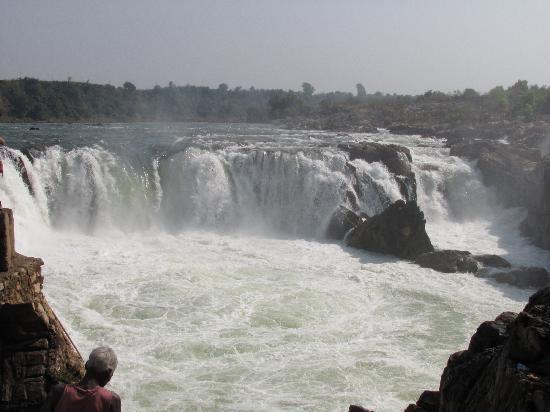 Dhuadhar Falls, Madhya Pradesh