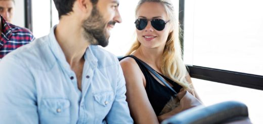 Befriend Your Fellow-Travellers While Travelling By Bus
