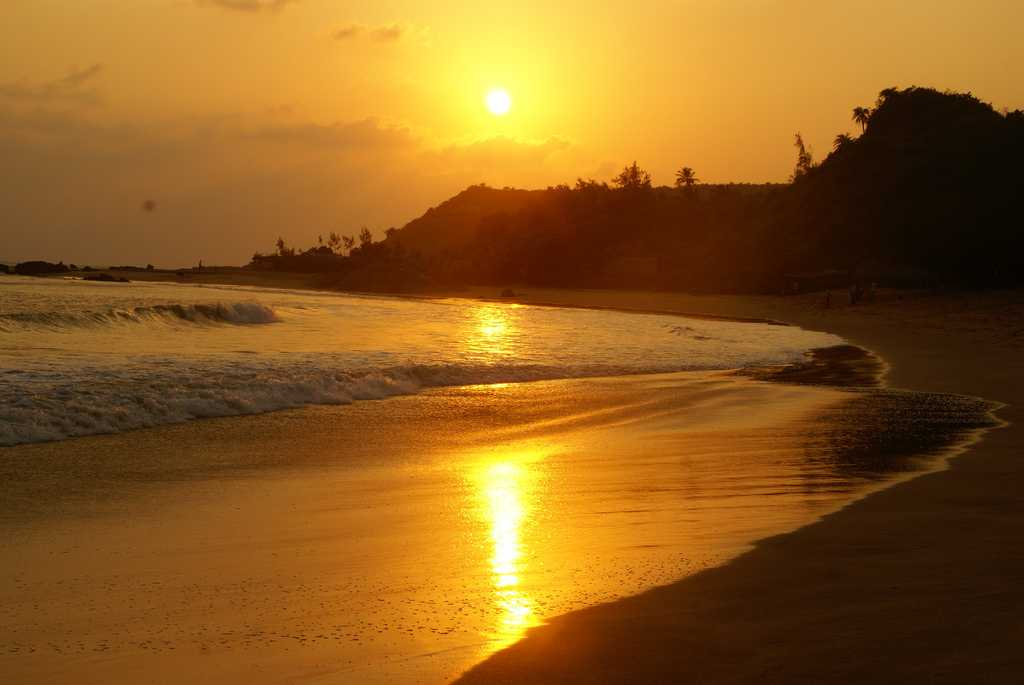 Best Places To Visit In Gokarna Sun rise in Beach