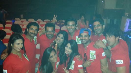 Dimple Jhangiani, Divyanka Tripathi, Naman Shaw, Amit Sareen, Nivedita Basu and team