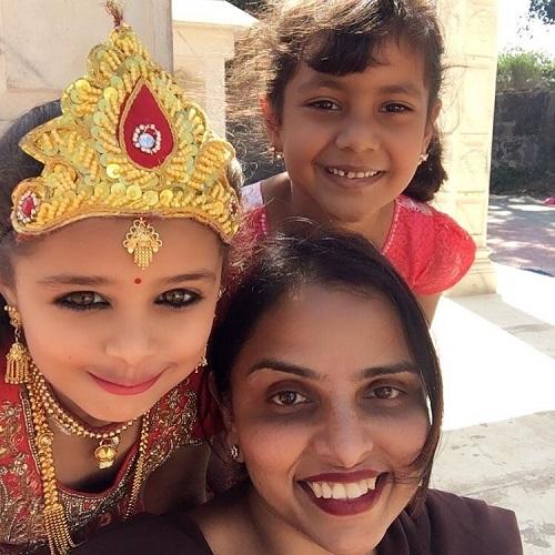 Sonali Jaffar With Kashvi Kothari And Arha Mahajan