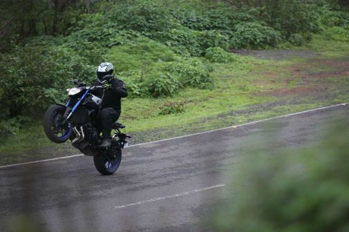 Yamaha MT-09 Wheelie