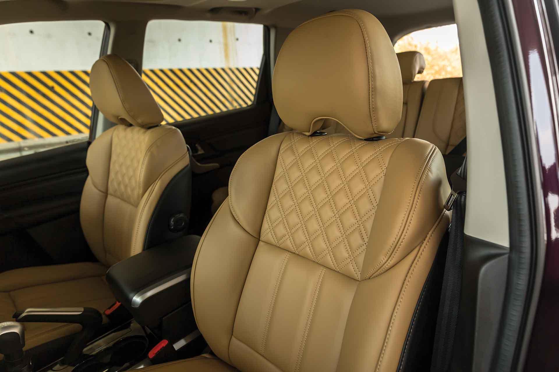Mahindra XUV Facelift