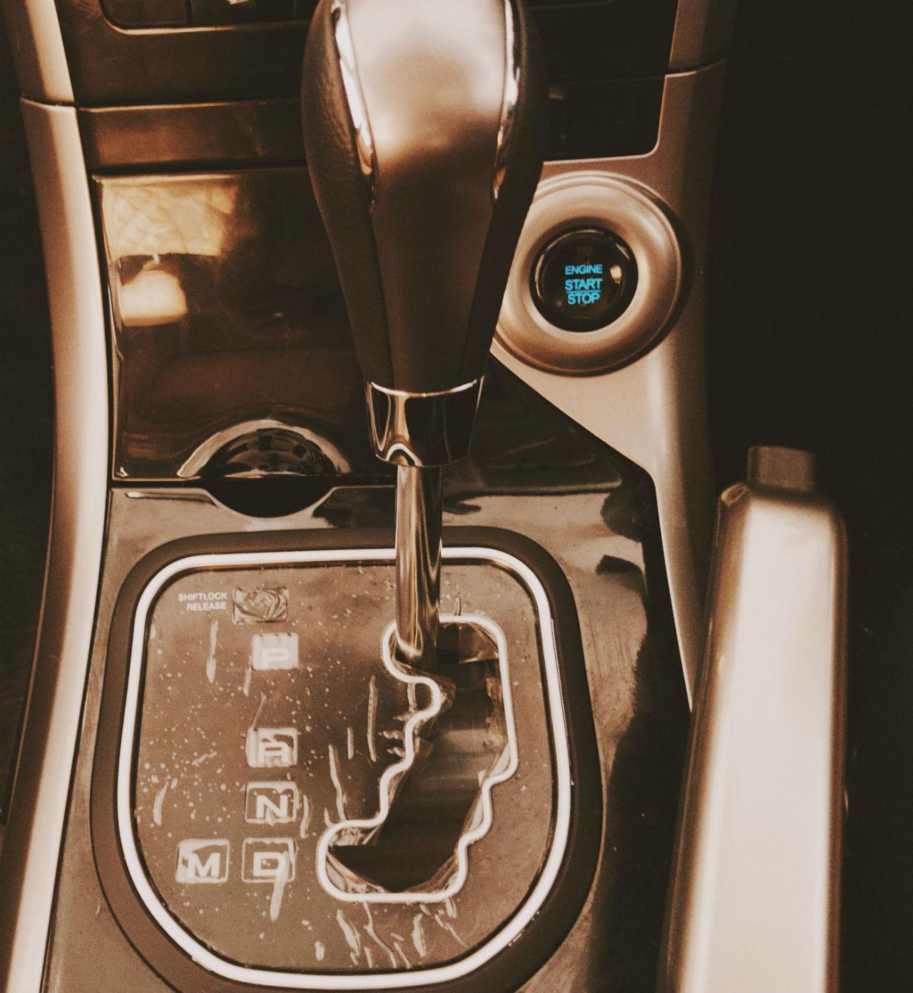 Mahindra XUV500 AT