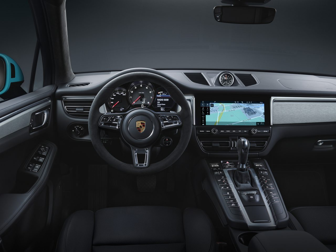 2019 Porsche Macan interior photo