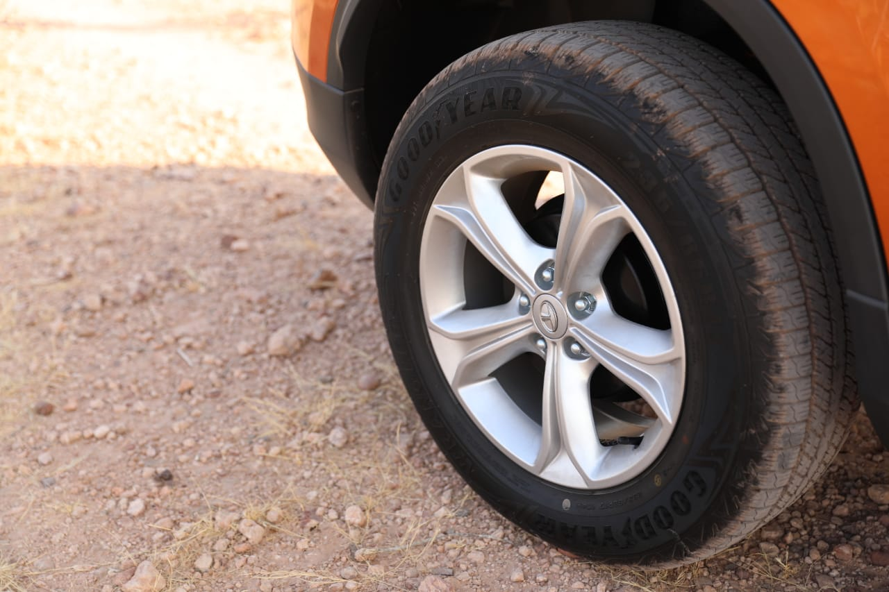 Tata Harrier Wheels
