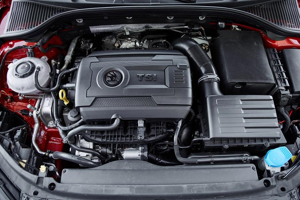 Skoda Octavia RS 245 Engine