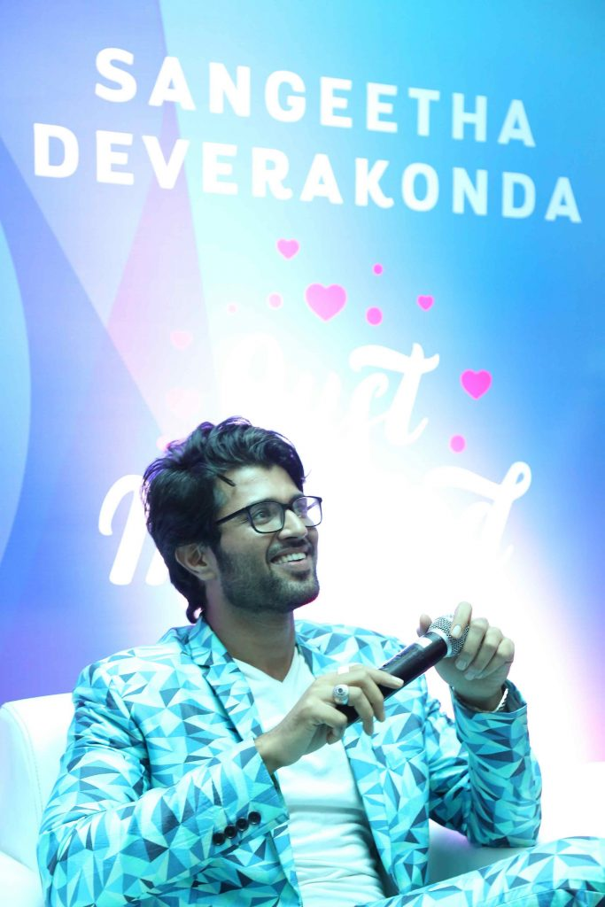 Actor Vijay Devarakonda was announced as brand ambassador on Sangeetha Mobiles on Tuesday.jpg
