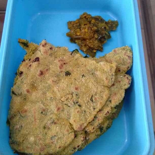 How to make मेथी भाकरी