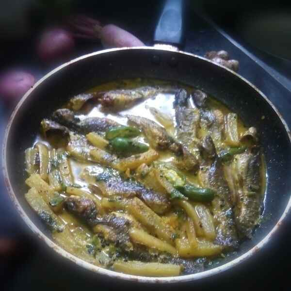 Photo of Radish cat fish Er jhal in Bengali style by শংকরী পাঠক at BetterButter