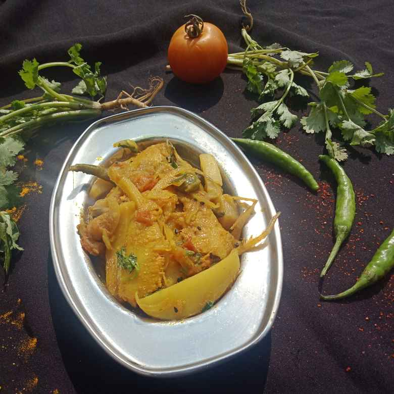 Photo of Amudi fish jhal with potato brinjal,mulo by সুসমিতা ঘোষ at BetterButter