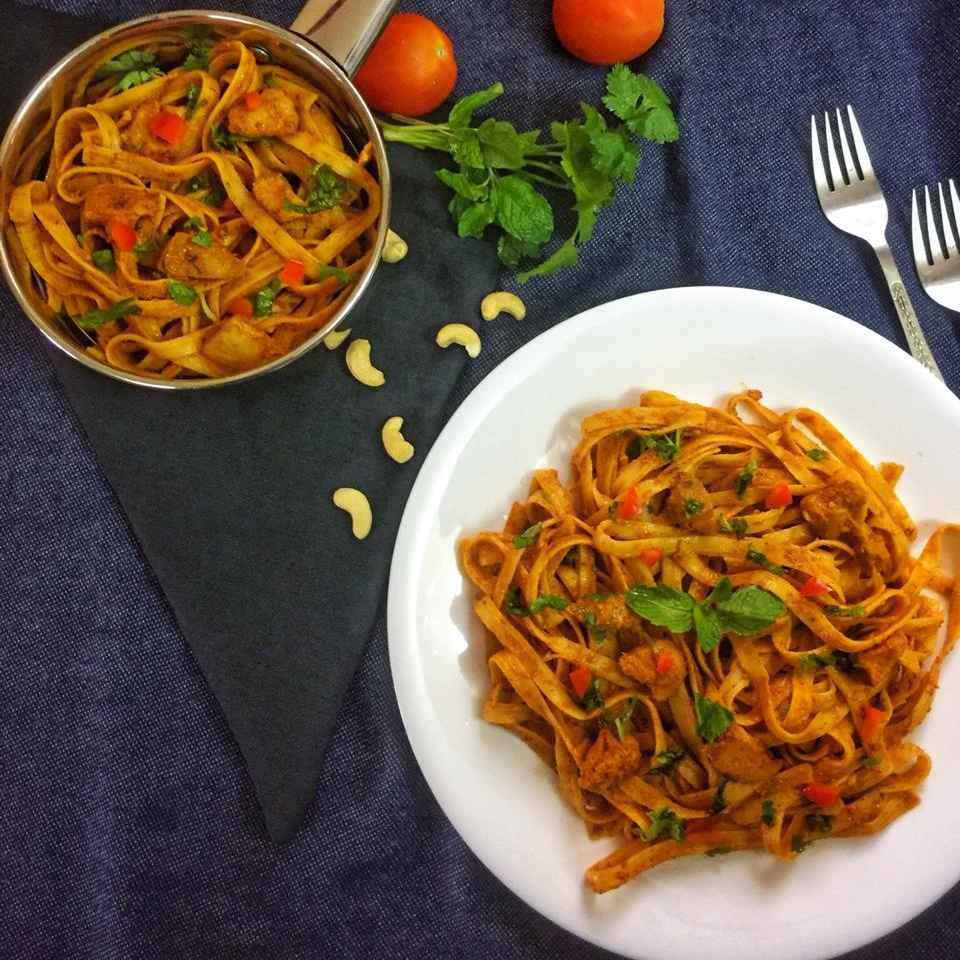 How to make Fettuccine with chicken makhani gravy