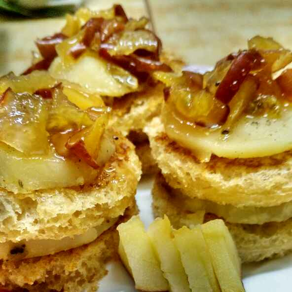 Photo of sandwich with pineapple flavouvered potato and apple chutney by যোগিতা সাহা at BetterButter