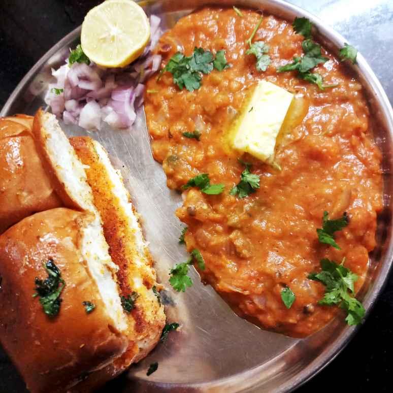 Photo of Banana pav bhaji by சாந்தி பாலசுப்ரமணியம் சாந்திபாலசுப்ரமணியம் at BetterButter