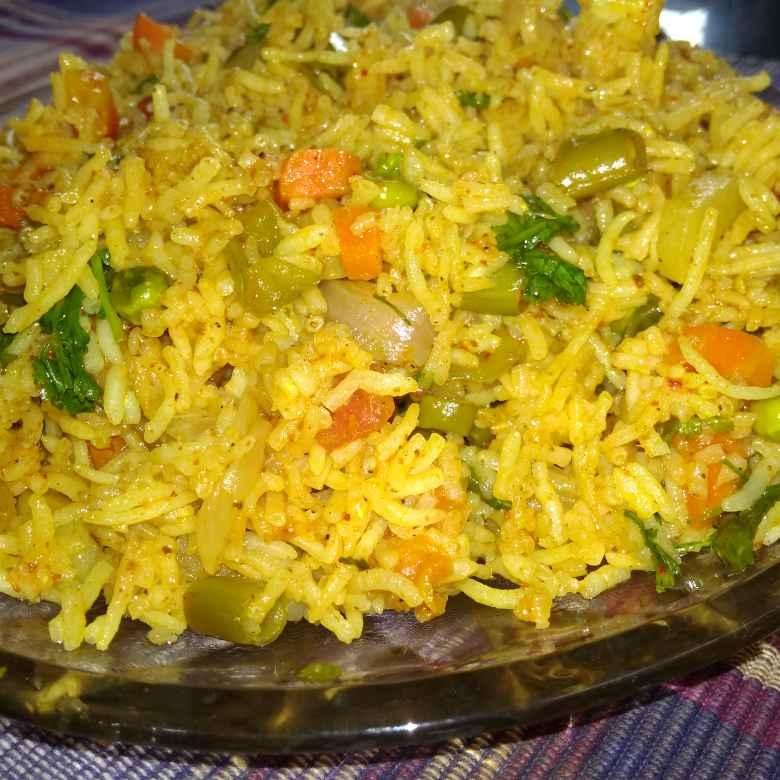 How to make తవా పులావ్.