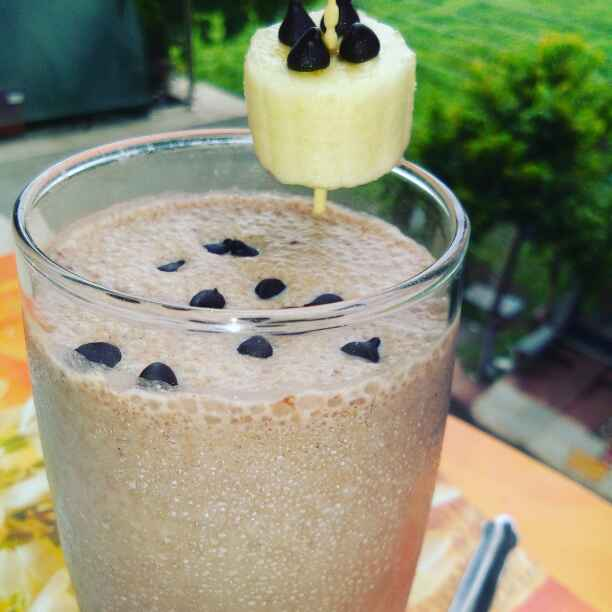 How to make Chocolate banana shake
