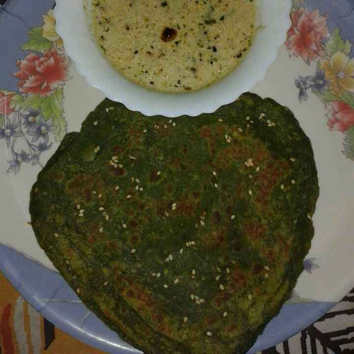 Photo of Bachi hui palak ka saag se paratha by Abhilasha Gupta at BetterButter