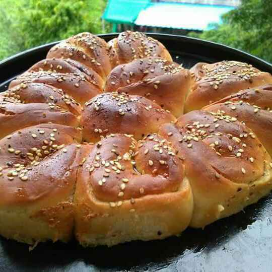 Photo of Garlic pull apart bread by Abhilasha Gupta at BetterButter