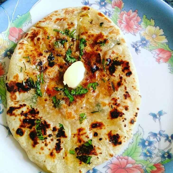 How to make Amritsari stuffed aalu kulcha