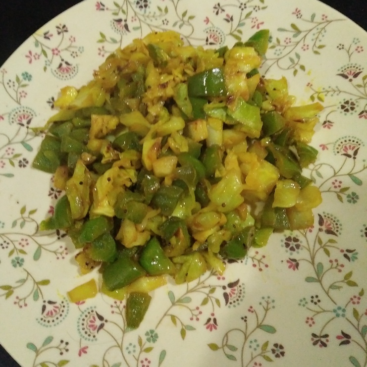 How to make Capsicum and cabbage curry