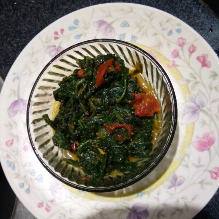How to make Palak tomato sabji