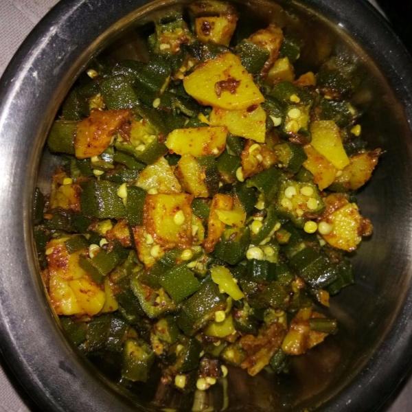 How to make Spicy aloo bhindi