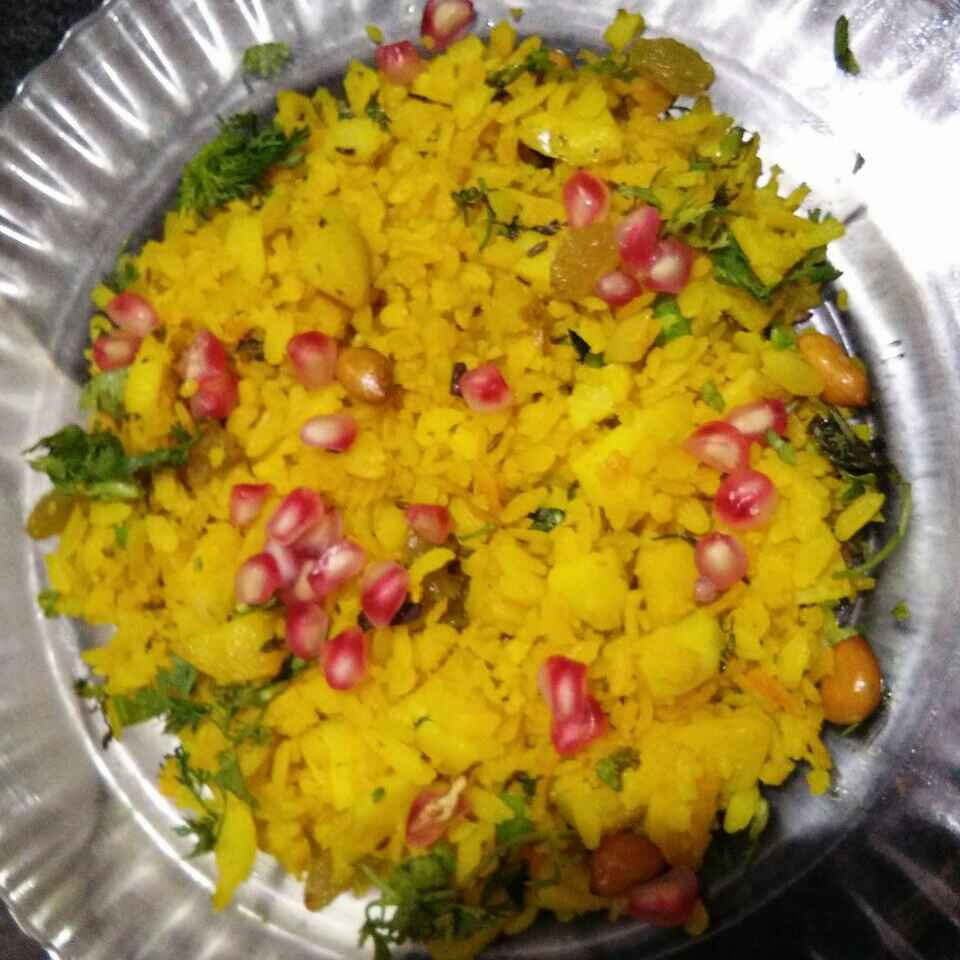 Photo of Poha with pomegranate and raisins by Aachal Jadeja at BetterButter