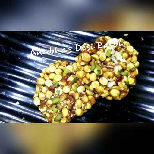 Photo of Roasted ( siki huee ) chana dal chikki by Aanubha Bohra at BetterButter