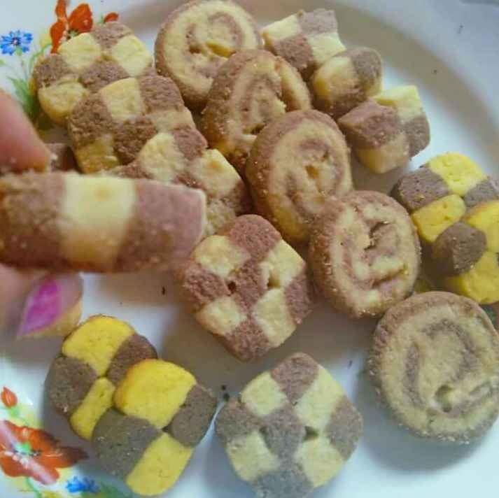 Photo of Checkerboard cookies and swiss roll (without oven)(step by step ) by yamini Jain at BetterButter