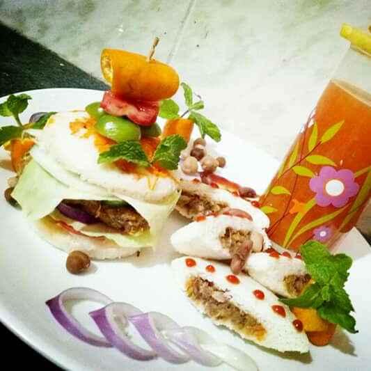 Photo of Mix beans se bani stuffed idli aur idli burger by yamini Jain at BetterButter