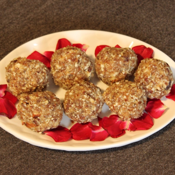 How to make Oats, Dates and Dry Fruit  Laddu