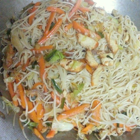 Photo of Chicken Chowmein by Aayushi Manish at BetterButter
