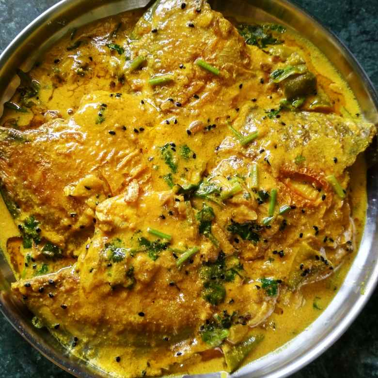 Photo of pomfret jhal by রুনু চক্রবর্তী chakraborty at BetterButter
