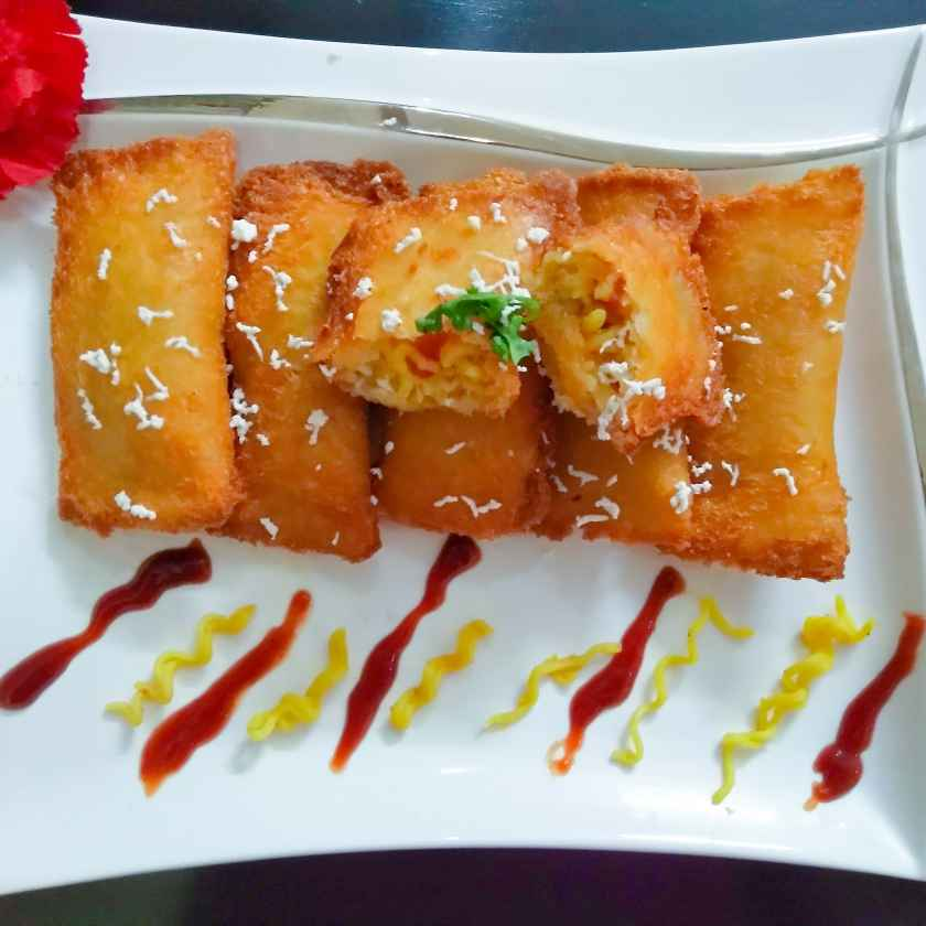 Photo of Cheese maggi bread pockets by Abhinit Chawla at BetterButter