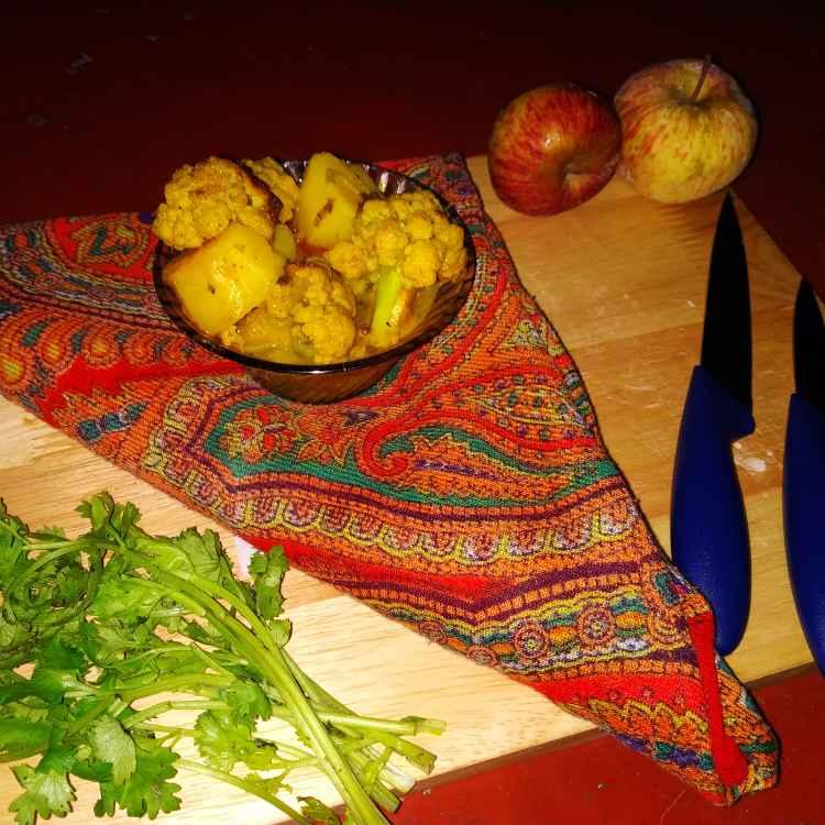How to make Cauliflower potato curry