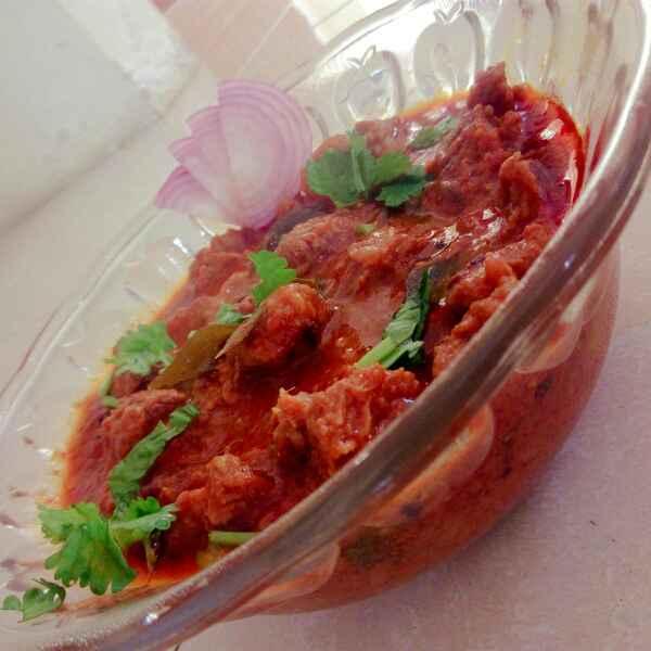 Photo of Chettinaad salt mutton gravy (lamp) by Adaikkammai annamalai at BetterButter