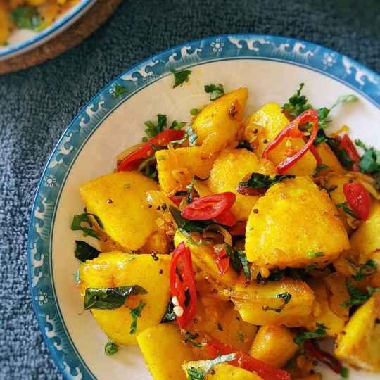 How to make Spicy Fried Idli