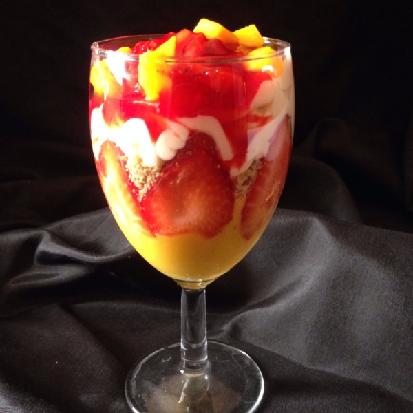 How to make Mango and strawberry parfiat with strawberry coulis