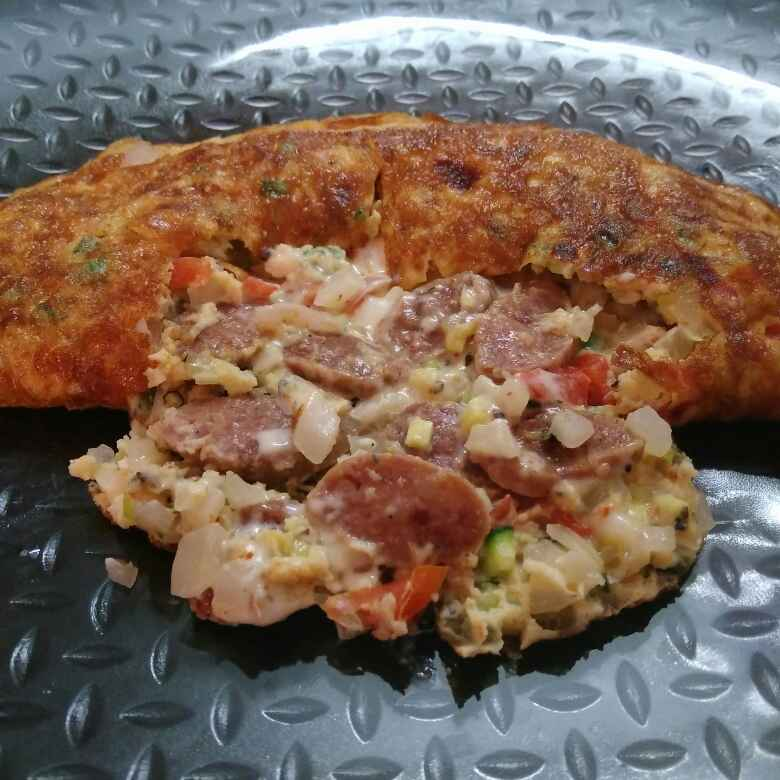 How to make Omelette Stuffed With Pork Sausage And Cheese