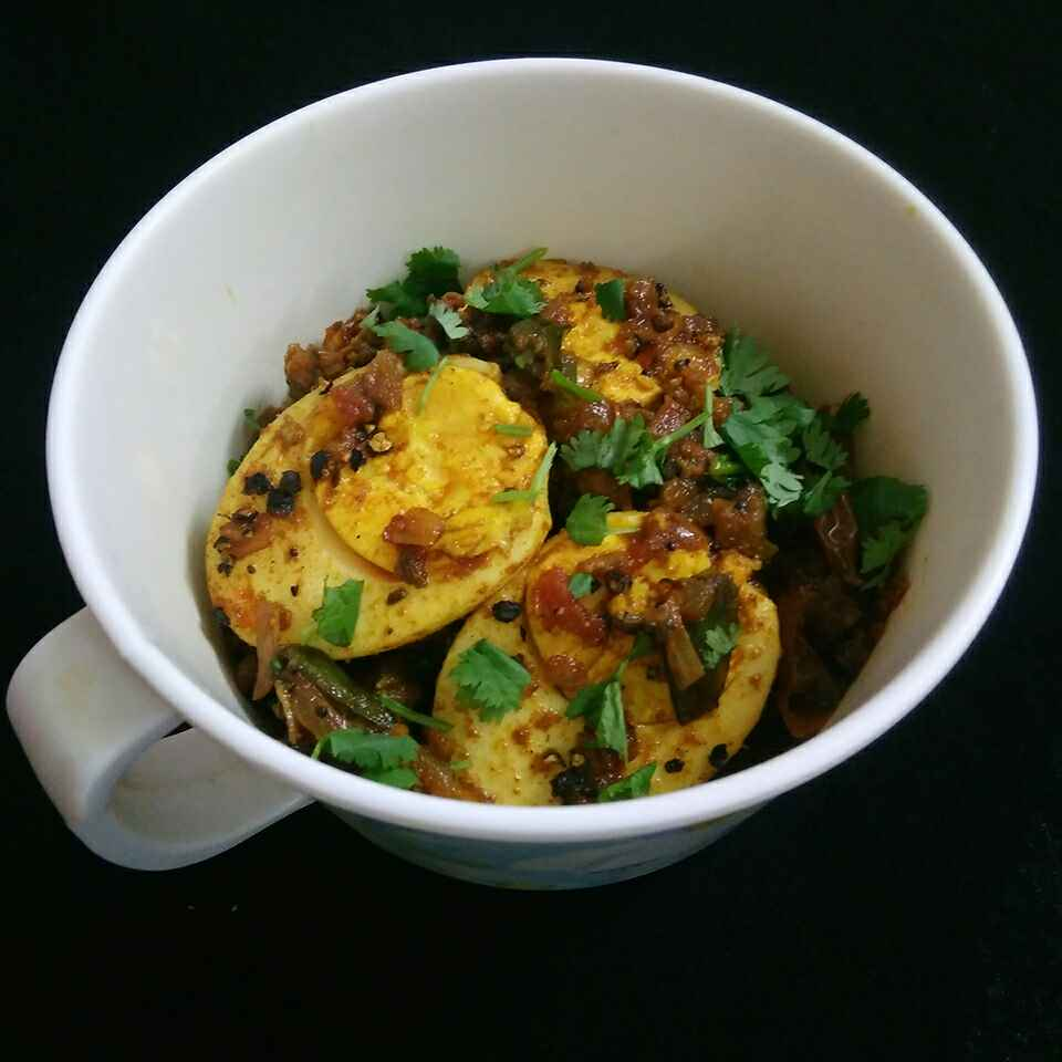 How to make Spicy Egg Masala