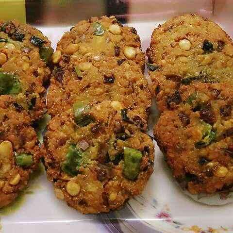 How to make Masala Vadai / South Indian Paruppu Vadai