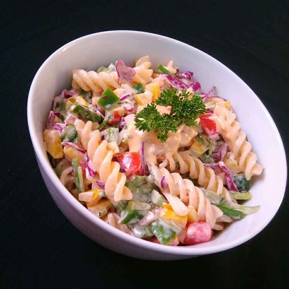 How to make Creamy Cheesy Pasta Salad
