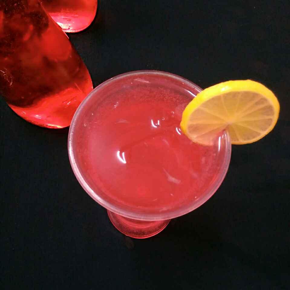 How to make Sparkling Rose Lemonade