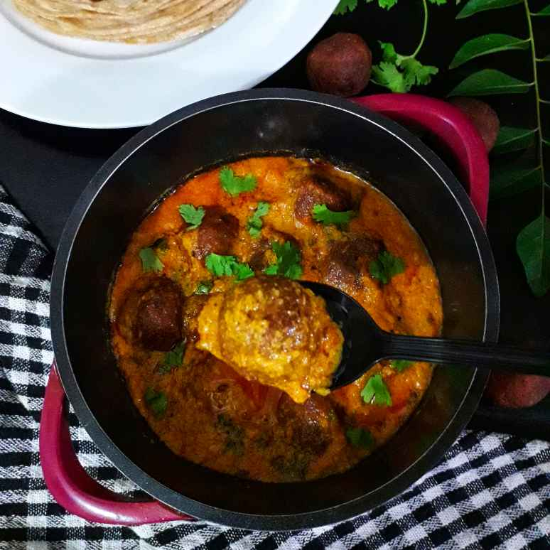 Photo of Chicken Kola Urundai Kuzhambu by Akum Raj Jamir at BetterButter