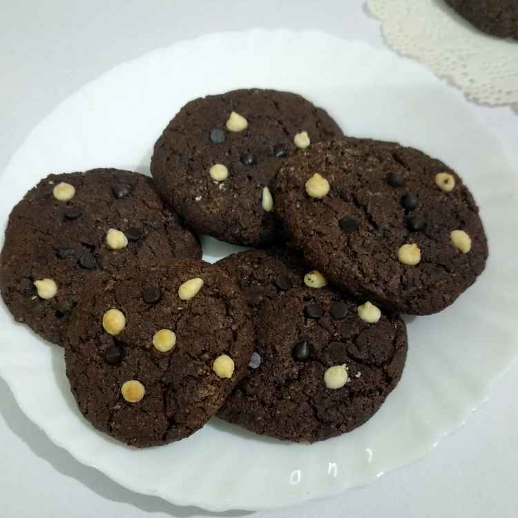 Photo of Ragi flour chocochip cookies by Alka Munjal at BetterButter