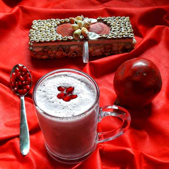 Photo of Pomegranate milkshake by Ambitious Gopa Dutta at BetterButter