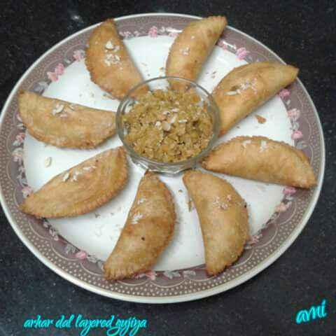 How to make Arhar Dal Layered Gujiya