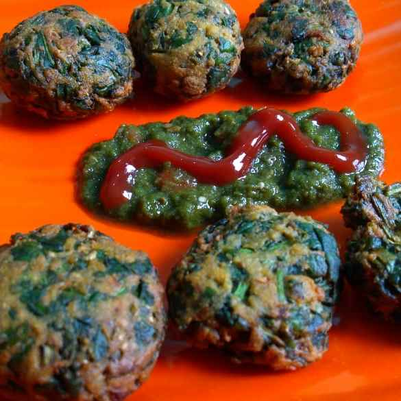 Photo of crispy Palak pakoda by Amit Goyal at BetterButter