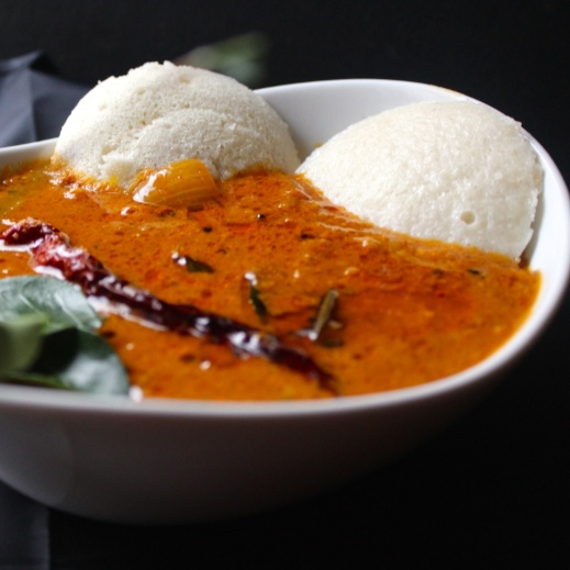 How to make Vengaya Sambar (Coconut based Onion Sambar)