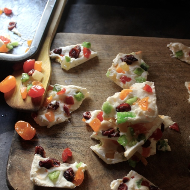 How to make Yogurt Fruit Bark